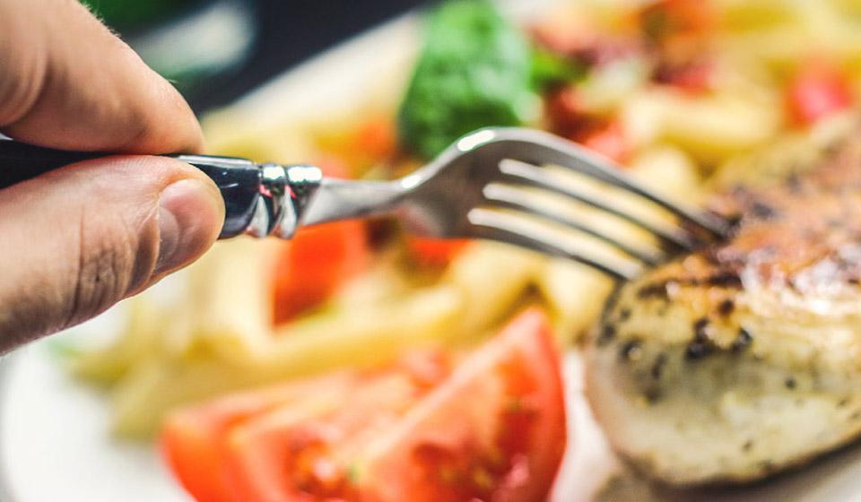 Bursa'da 10 TL'ye sağlıklı şekilde nasıl yemek yersiniz?